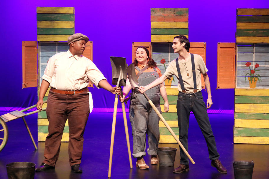 Main Street Theater - Magic Tree House - Shovels