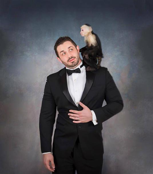 Bert Entertainment - Robby and Monkey
